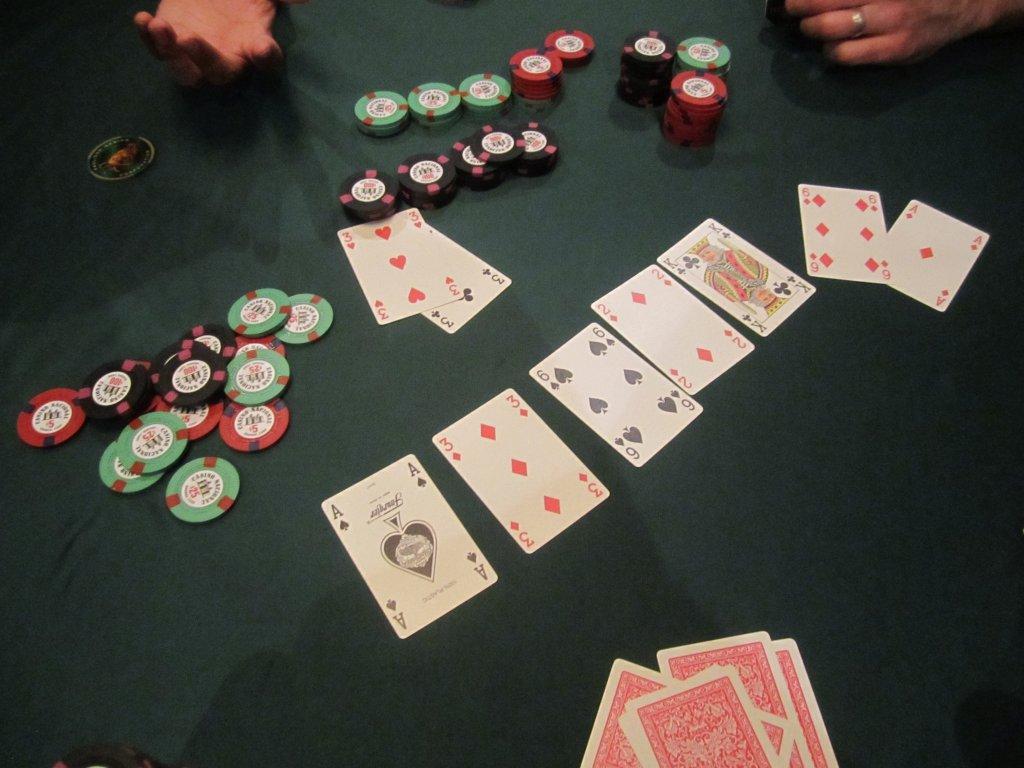 кулер в покере Холдем это